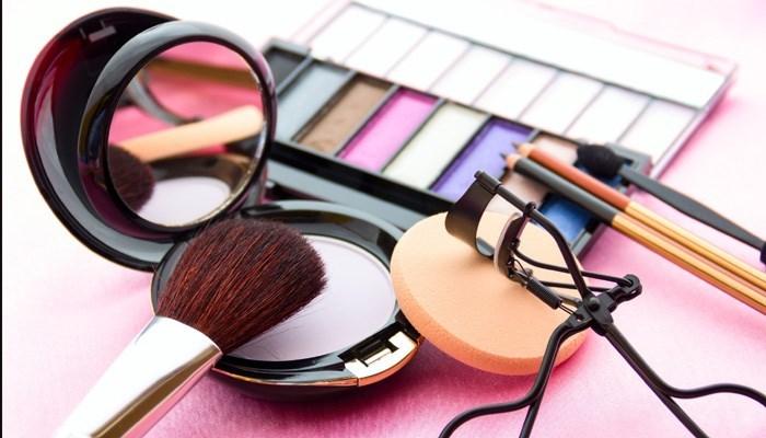 Co zrobić, żeby ładnie wyglądać bez makijażu?