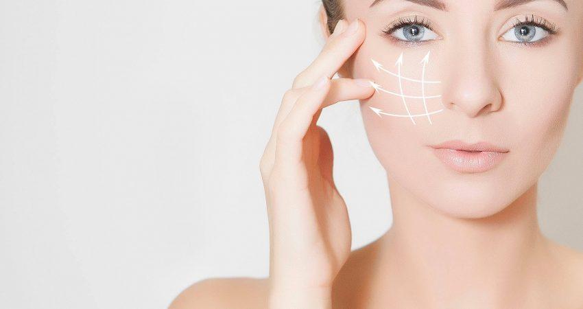 Nici liftingujące. Czy naciąganie skóry w gabinecie medycyny estetycznej działa?