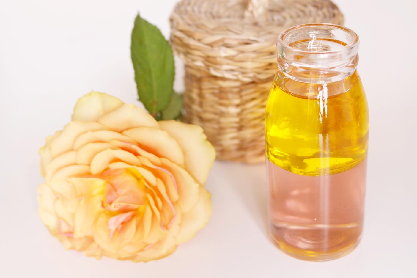 Olejki do twarzy – naturalna pielęgnacja różnych typów cery; podpowiadam jaki olej wybrać