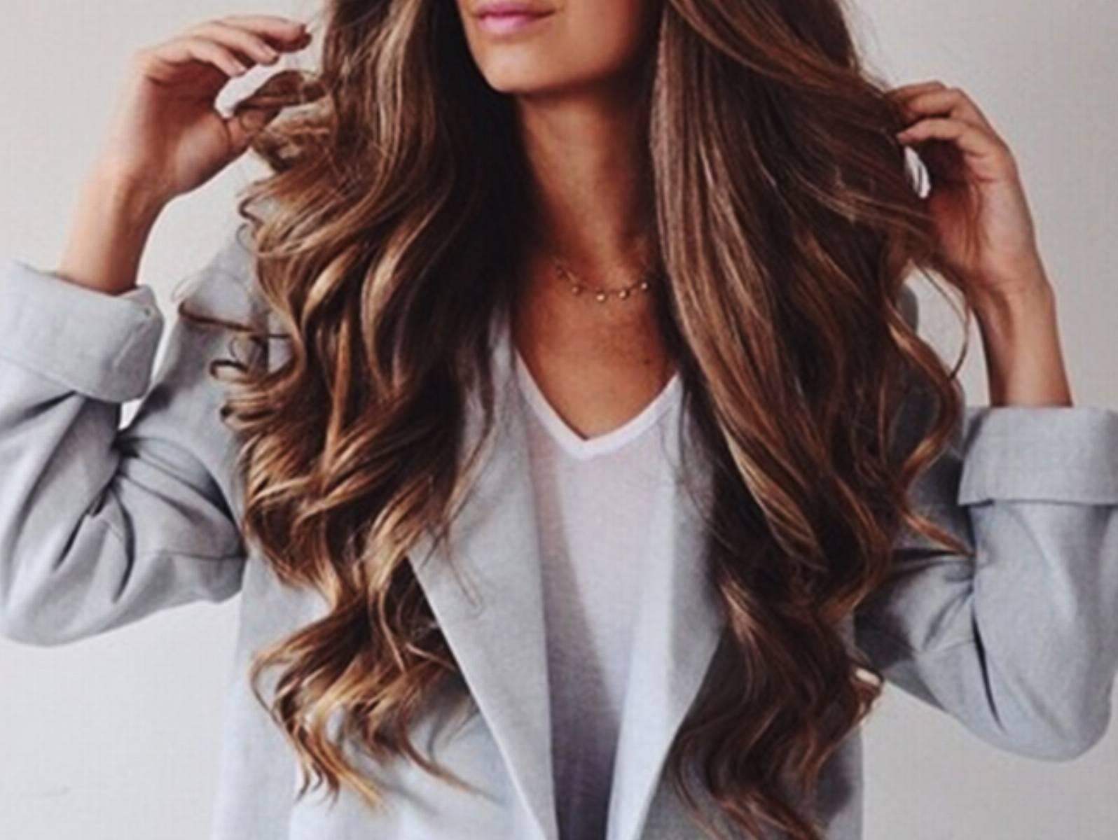 Szybkie i łatwe metody na podkreślenie skrętu włosów